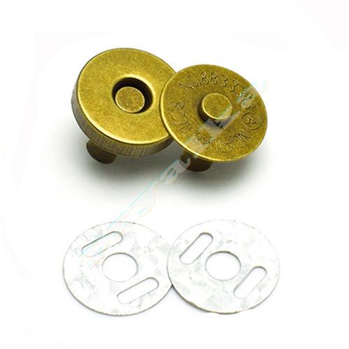 Магнитная кнопка для сумки 18 мм. античная латунь