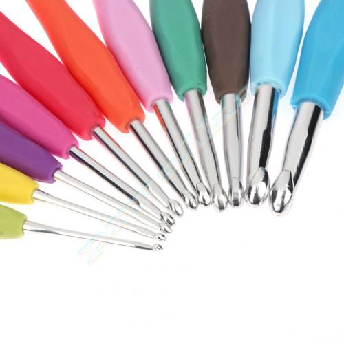 Крючок алюминиевый с пластиковой ручкой №№ 2,5 - 6,0
